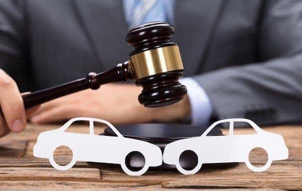 risarcimento-danni-sinistro-stradale-incidente-avvocato-civile-verona