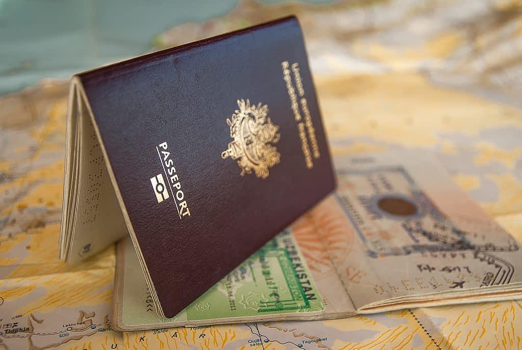 passport, visa, border-3127925.jpg